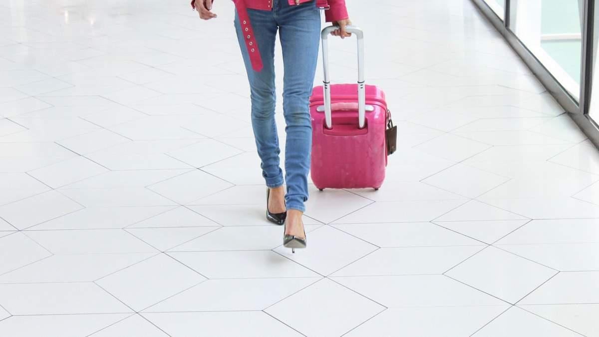 Українку оштрафували в аеропорту Гданська за жарт про бомбу в її багажі