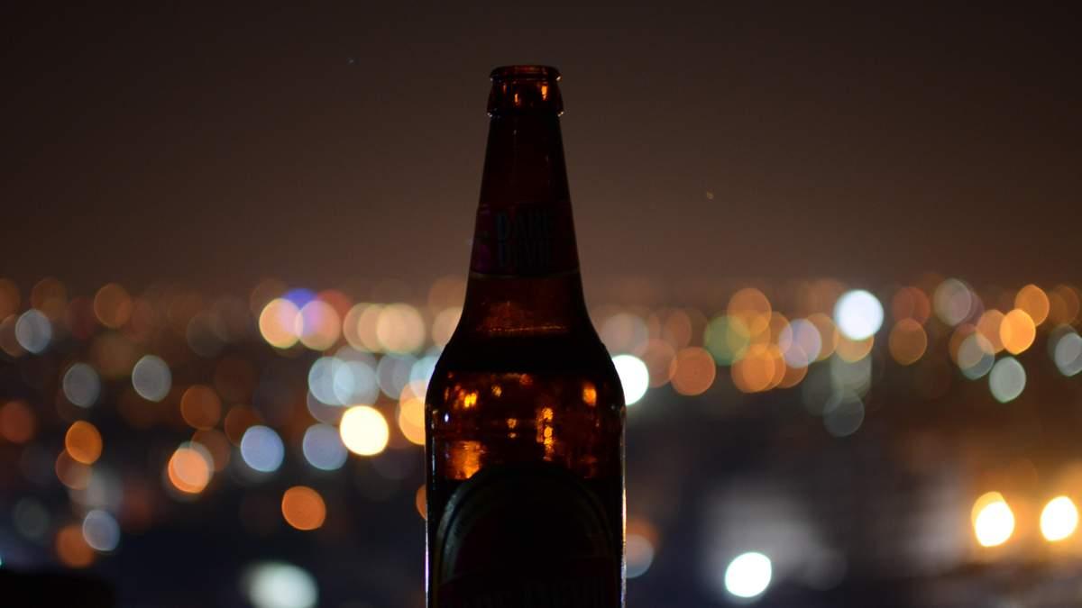 У Варшаві заборонено вживати алкогольні напої на набержній