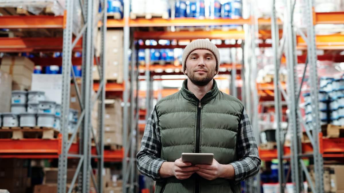 У Польщі на складах не вистачає вантажників і водіїв навантажувачів