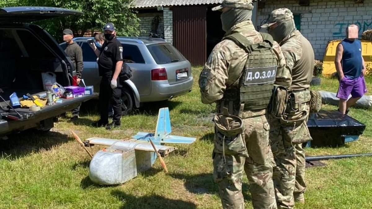 Прикордонники вилучили у контрабандистів велику кількість обладнання
