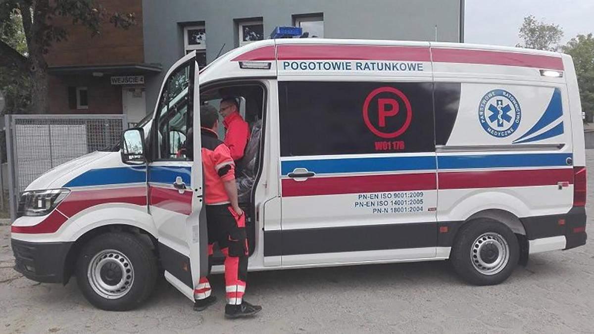 Во Вроцлаве украинец на легковом авто столкнулся с автомобилем скорой помощи