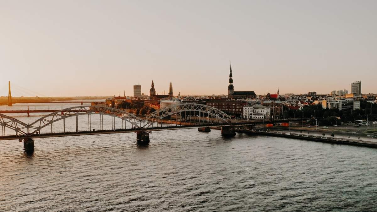 В Эстонии, Литве и Латвии есть много предложений работы для украинцев