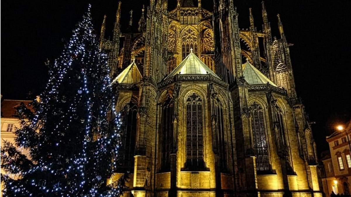 У Празі розпочали підготовку до різдвяного ярмарку: коли і де він буде відбуватися - Закордон