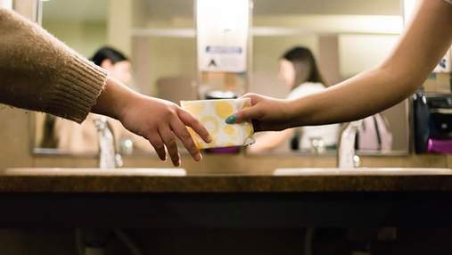 Не повод для пропусков: в школах Варшавы будут доступны бесплатные средства гигиены для девушек