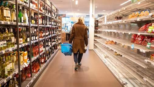 Скільки покупців – стільки й кошиків: у супермаркетах Польщі хочуть запровадити нові правила