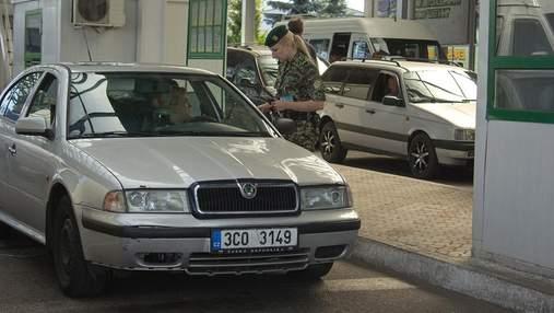 На польской границе застряли 130 автомобилей: в каких пунктах пропуска очереди