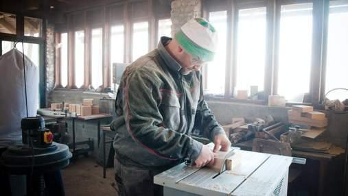Польща продовжує запрошувати українців на роботу: кому пропонують 148 тисяч гривень за місяць