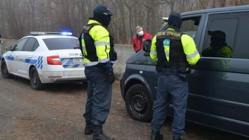 В Чехии полицейские будут снимать регистрационные знаки с авто тех, кто не платит штрафы